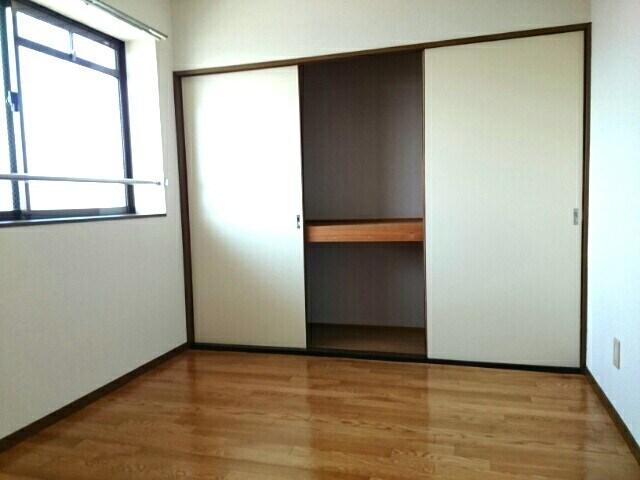 グランデージ堀 03040号室の収納
