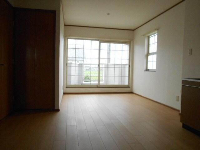 ローズマリーA 02020号室のリビング