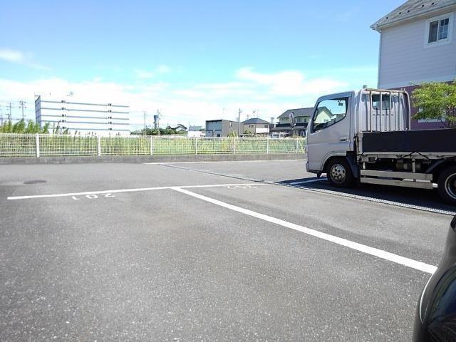 ローズマリーA 02020号室の駐車場