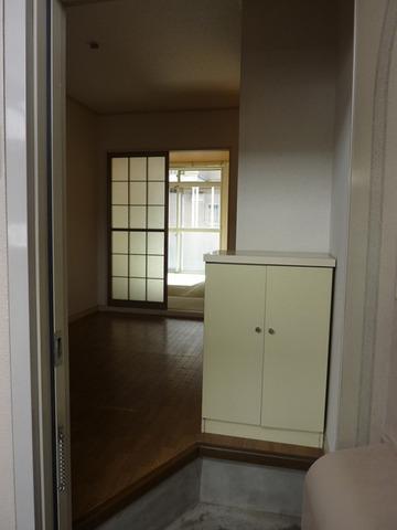 リバーサイド戸田A 102号室の玄関
