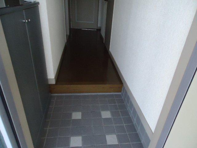 サンガーデンマリノ 101号室の玄関