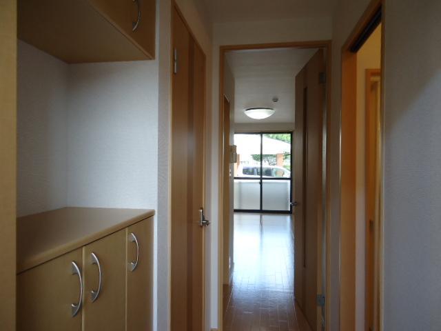 ガーデンヴィラTY・Ⅲ 107号室の玄関