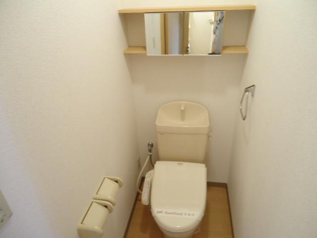 ガーデンヴィラTY・Ⅲ 107号室のトイレ