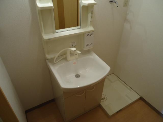 ガーデンヴィラTY・Ⅲ 107号室の洗面所
