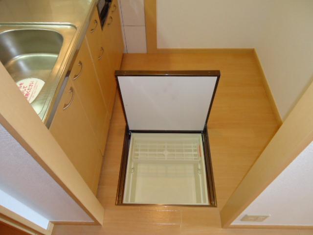 ガーデンヴィラTY・Ⅲ 107号室の収納
