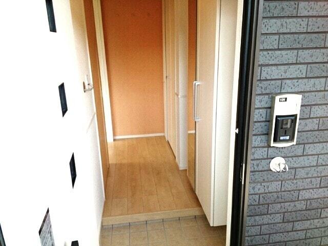 リヴェール・ピアⅠ 01010号室の玄関