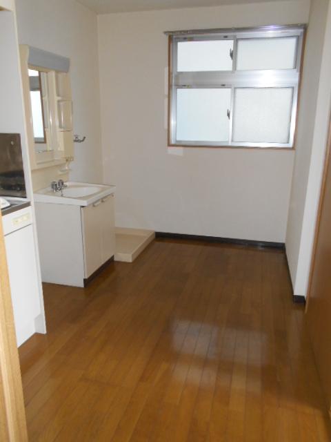 新宿マンション 201号室のリビング