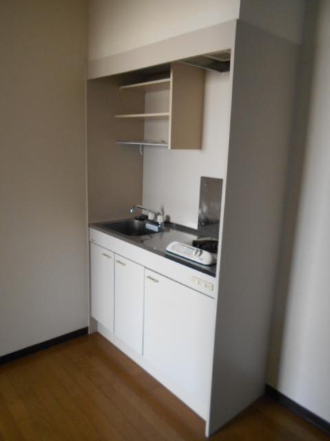 新宿マンション 201号室のキッチン