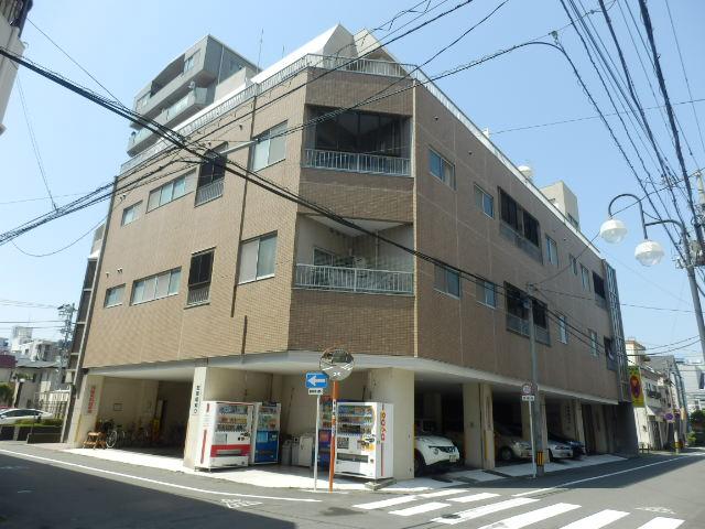 新宿マンション 201号室の外観