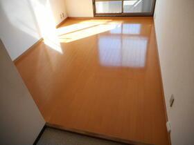 サンハイツ6 203号室の居室