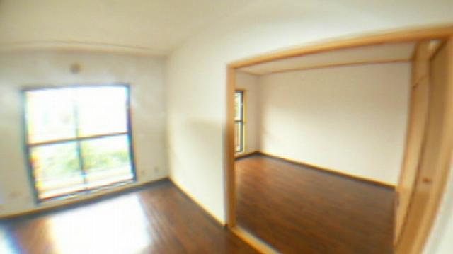 ドルフヤマノウチB 303号室のリビング