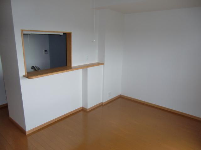グロワール 03030号室のリビング