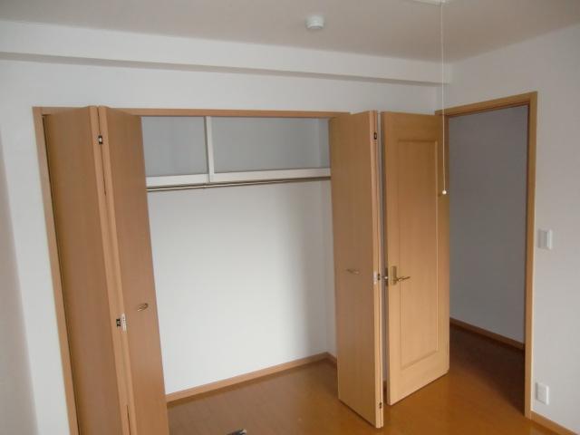 グロワール 03030号室の収納