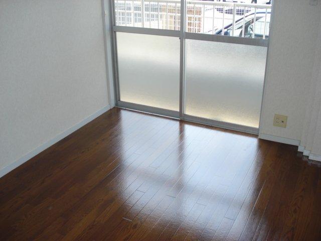サンハイツ栄 00102号室のベッドルーム