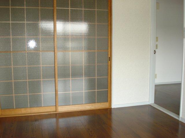 サンハイツ栄 00102号室のリビング