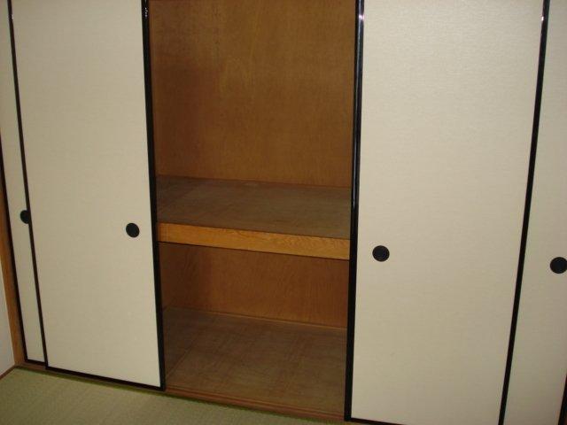 サンハイツ栄 00102号室の収納
