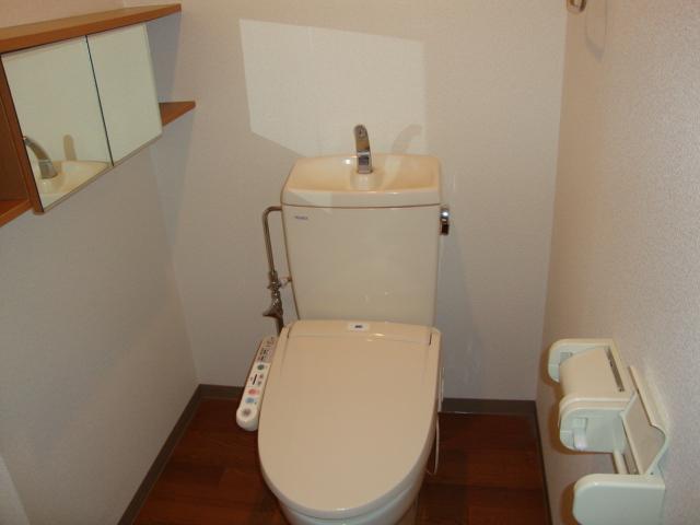 ライフシティ・ネオ 103号室のトイレ