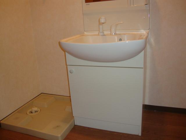 ライフシティ・ネオ 103号室の洗面所