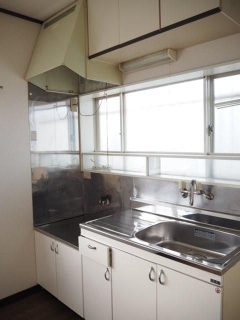 ホワイトハウス 201号室のキッチン
