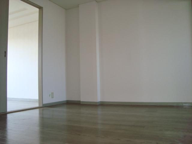 パレス野添 00403号室のリビング