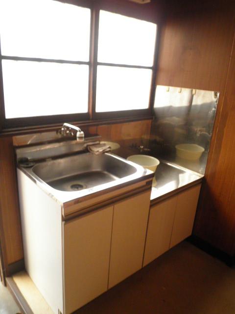 三景荘 101号室のキッチン