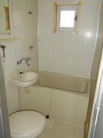メゾン東大宮 203号室の風呂