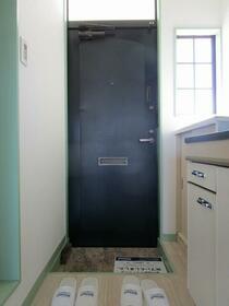 コーポ中井 0203号室の玄関