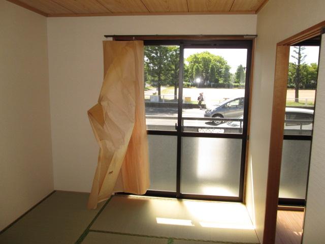 パークハイムほづみⅡ 302号室の居室