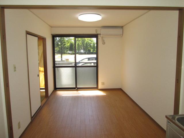 パークハイムほづみⅡ 302号室のリビング