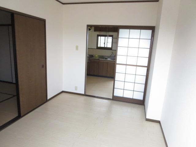 LIBERTY KUNIE Ⅰ 202号室のリビング