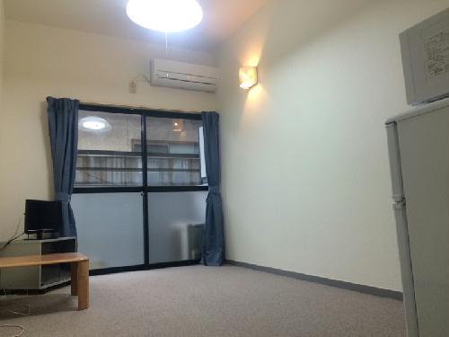 REVANCE HIGASHIURAWA 205号室のリビング