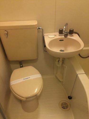REVANCE HIGASHIURAWA 208号室のトイレ