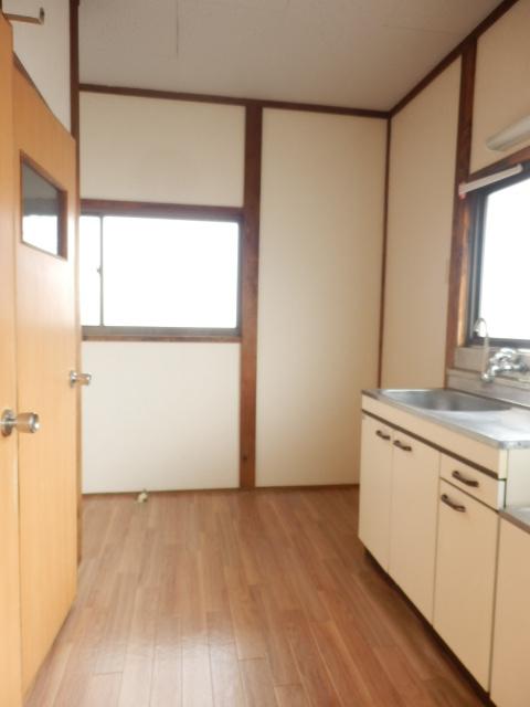 コーポ小野塚 201号室のリビング