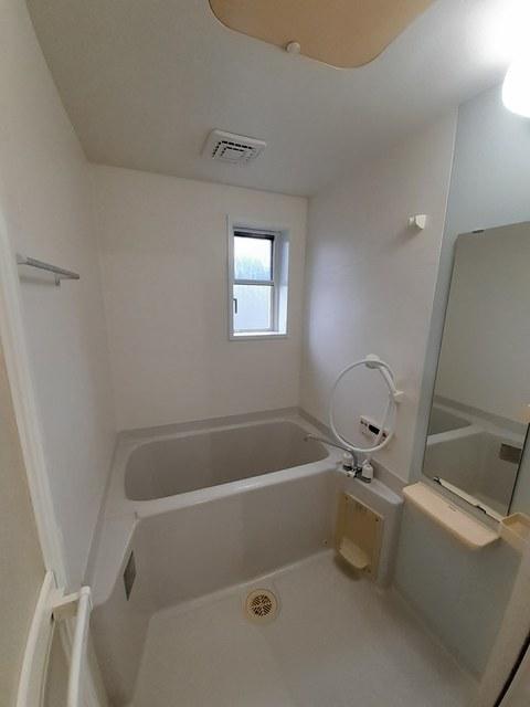 メゾン・フレ-シュ A棟 02010号室の風呂