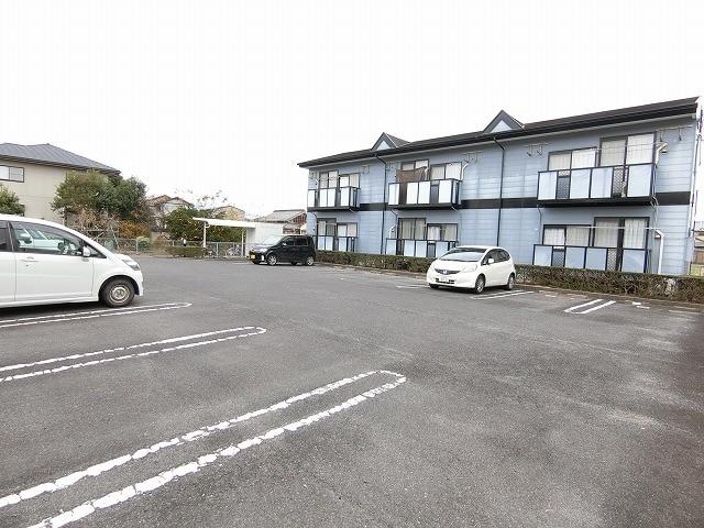 メゾンシティコート B棟 02010号室の駐車場