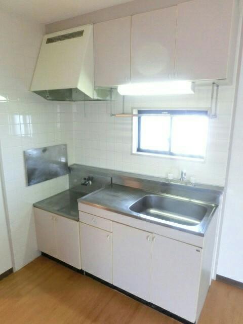 メゾンシティコート B棟 02010号室のキッチン