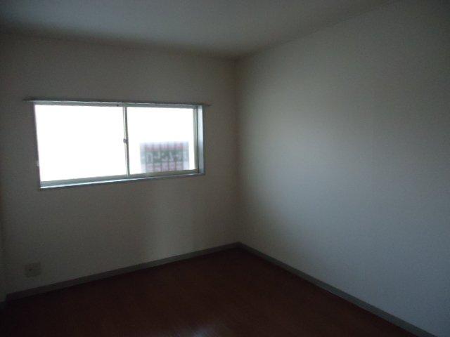 レインボー S・R 00203号室の居室