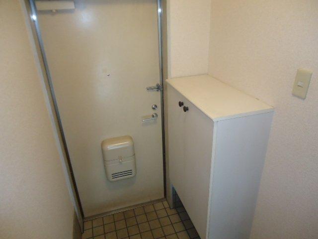 レインボー S・R 00203号室の玄関