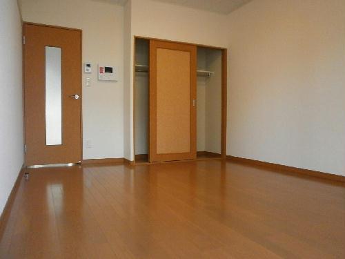 レオパレスむっく 101号室のリビング