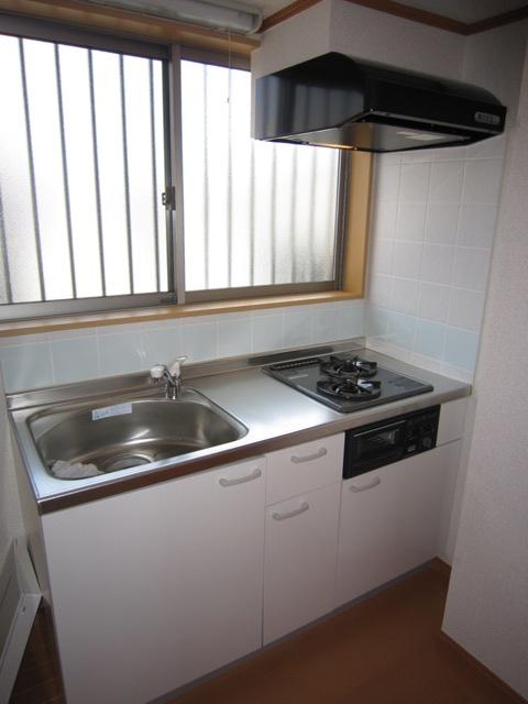 コンフォート樋ノ爪 102号室のキッチン