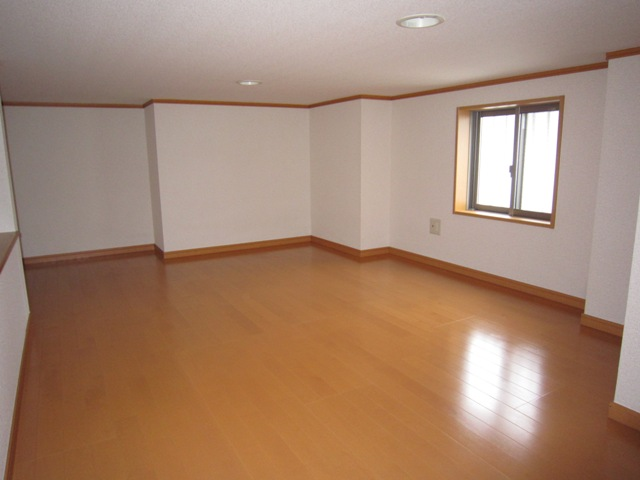 コンフォート樋ノ爪 102号室のベッドルーム
