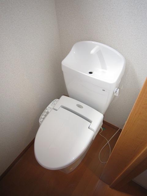コンフォート樋ノ爪 102号室のトイレ