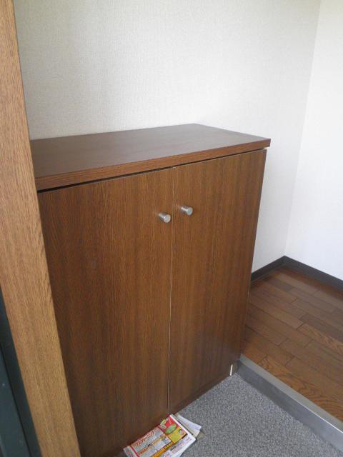コンフォート楠 205号室の玄関