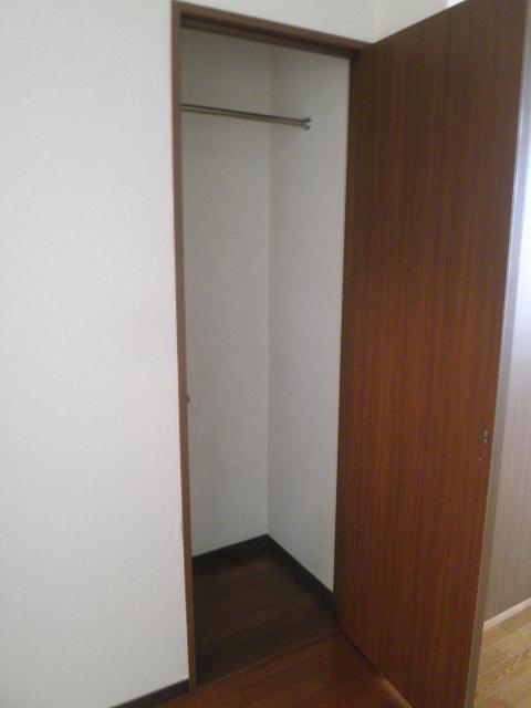 コンフォート楠 205号室の収納