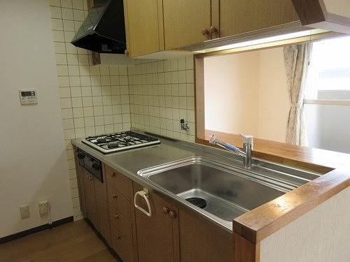 シェルモール采女 303号室のキッチン
