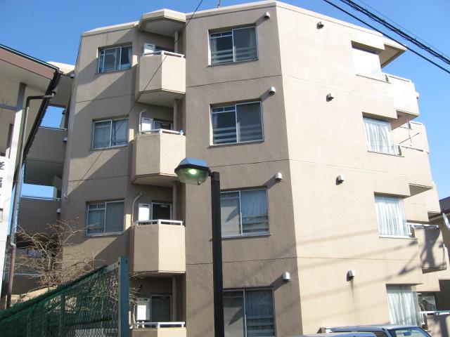柳沢マンション 103号室の外観