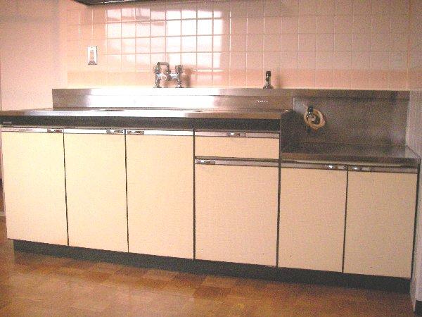 柳沢マンション 103号室のキッチン