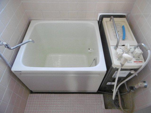服部マンション 301号室の風呂
