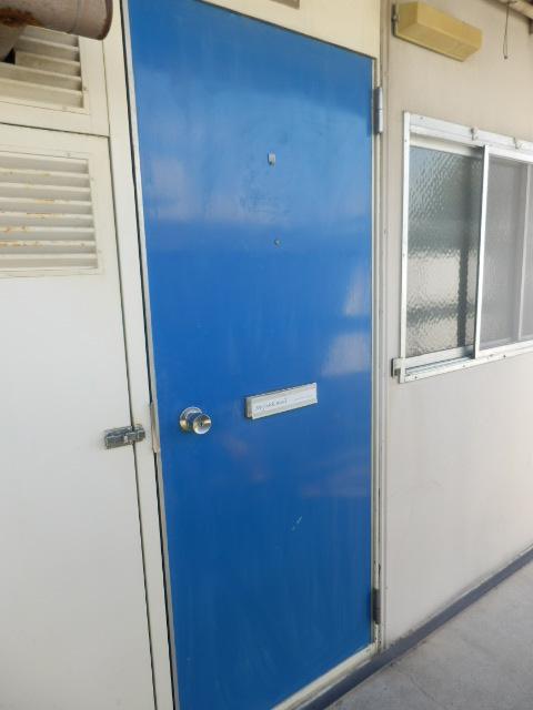 サンコーポ 202号室の玄関