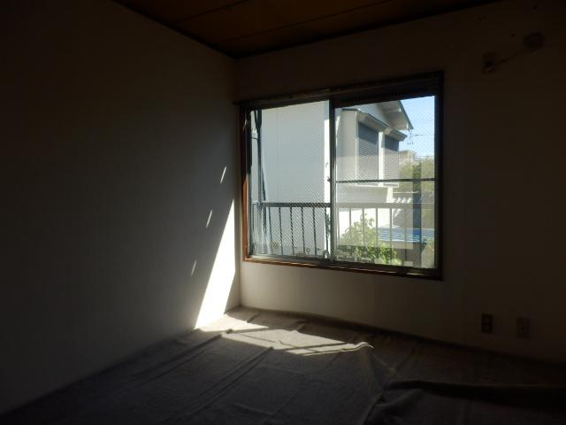 サンコーポ 202号室の居室